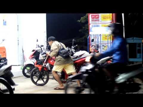 TUKANG PARKIR - Agung Pradanta feat. Ayu paramita ( Cover Video Clip )