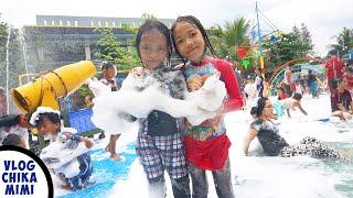 Permainan Waterpark Mandi Salju Sabun Busa Bersama Teman Teman