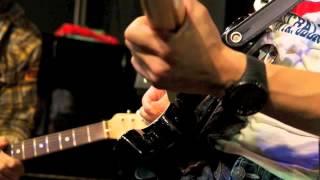 2013年3月13日発売予定の桑田佳祐さんの新曲『涙をぶっとばせ!!』をレコ...