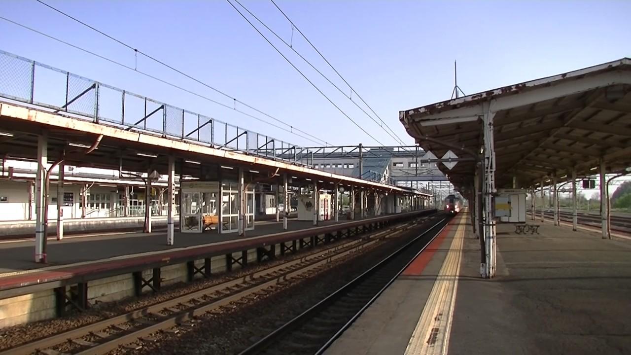 特急カムイ29号旭川行き 滝川駅...