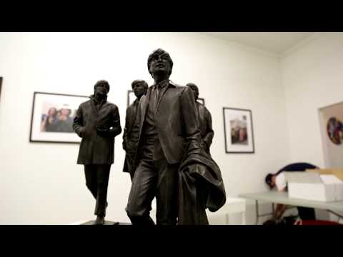 tom-murray-and-andrew-edwards-open-at-beatles-gallery-nyc