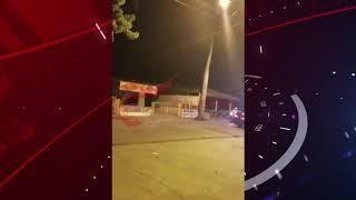 Joven baila desnudo encima de un carro en San Juan