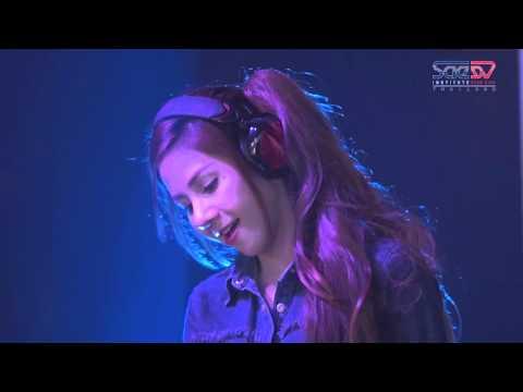 DJ Mira Wiwy in progressive house mix SAE Deck Diva Final Showdown