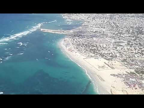 "turkish pilot can't land in ""mogadishu"""