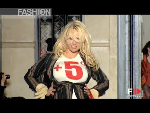 VIVIENNE WESTWOOD GOLD LABEL Fall 2009/2010 Paris - Fashion Channel