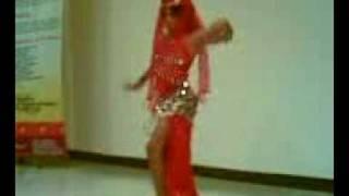 Bailando SHAKIRA ,Niña con Cáncer