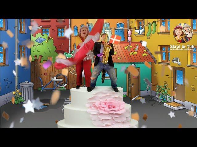Skrot og Tuti synger Happy Birthday.