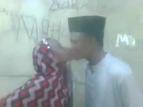 Iskancin saurayi da budurwa Hausa wa thumbnail