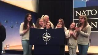 """Учасники проекту """"Діти за мир в усьому світі!"""" відвідали штаб-квартиру НАТО"""