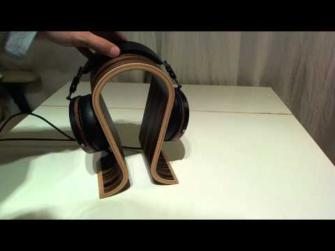 Sieveking Omega Headphone Stand Review