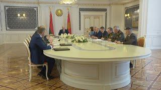 Лукашенко отмечает полную несостоятельность оппозиционной программы