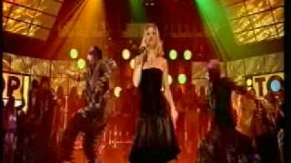 "Lee-Cabrera feat. Alex Cartañá ""Shake It (Move A Little Closer)"" TOTP Performance"