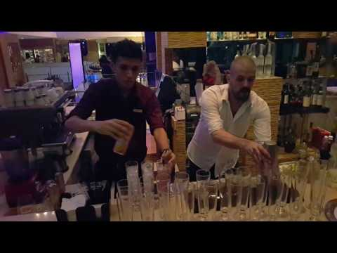 New Zealand Unlimited Mixologist In Action at Traders Hotel KL Wine Dinner 1/11/2016