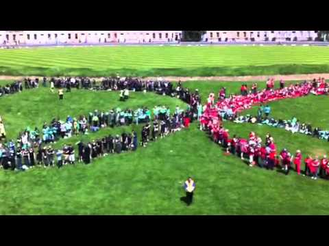 Bath breaks world record for people forming Olympic rings
