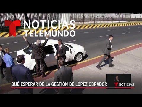Exclusiva: Andrés Manuel López Obrador con Noticias Telemundo en vuelo comercial