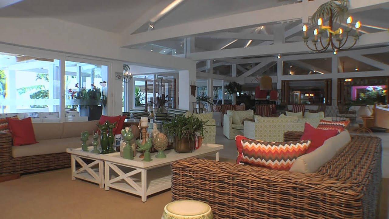 O designer de interiores Marcelo Borges mostra projeto de