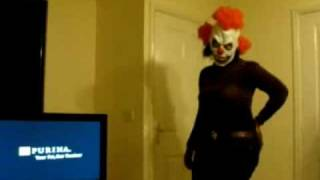 Beyonce Clown: Hits Her Head
