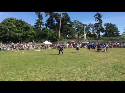 Andy Vincent turns Challenge Caber at 2016 Victoria Highland Games, BC, Canada. Heavy Events