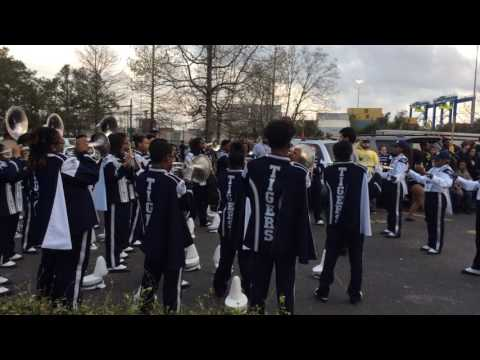 Hunters Lane vs Moss Point High School - Orpheus 2017