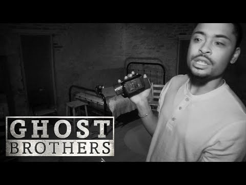 A Louisiana Plantation With A Voodoo History | Ghost Brothers (Full Episode)