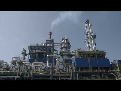 Long version: #YoungRefiners: Meet the people behind the European oil refining industry