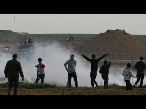 مواجهات مع الجيش الإسرائيلي قرب حدود غزة تسفر عن إصابة أكثر من 30 فلسطينيا  - 11:55-2019 / 2 / 4