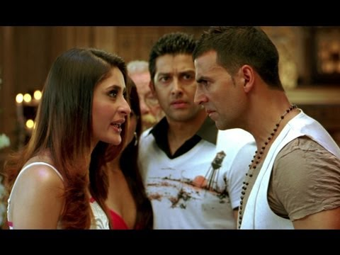 Akshay Kumar kisses Kareena forcibly  Kambakkht Ishq