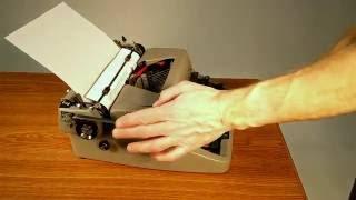 1953 Royal Quiet De Luxe Typewriter