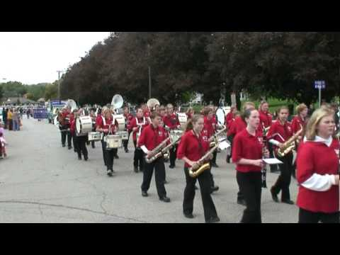 West Dubuque Drexler Middle School Marching Band - Anamosa Pumpkinfest 2010.mpg