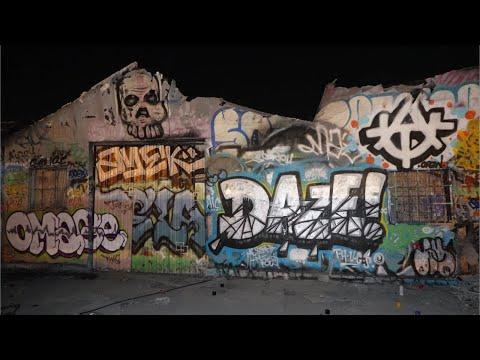 Graffiti Y Murales En Los Angeles California Por La Noche