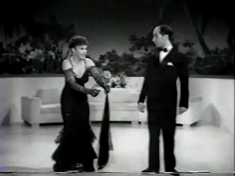 "Martha Raye ""What a Rumba Does to Romance"" College Swing 1938"