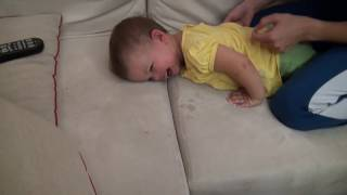Как делать детский массаж - How to do a baby massage