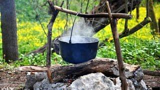 Как приготовить кашу на костре  Вкусная солдатская каша  Рецепты на природе(В этом видео мы вам покажем как готовить вкусную солдатскую кашу на природе. Готовить ее будем из пшеничной..., 2015-06-11T12:44:53.000Z)