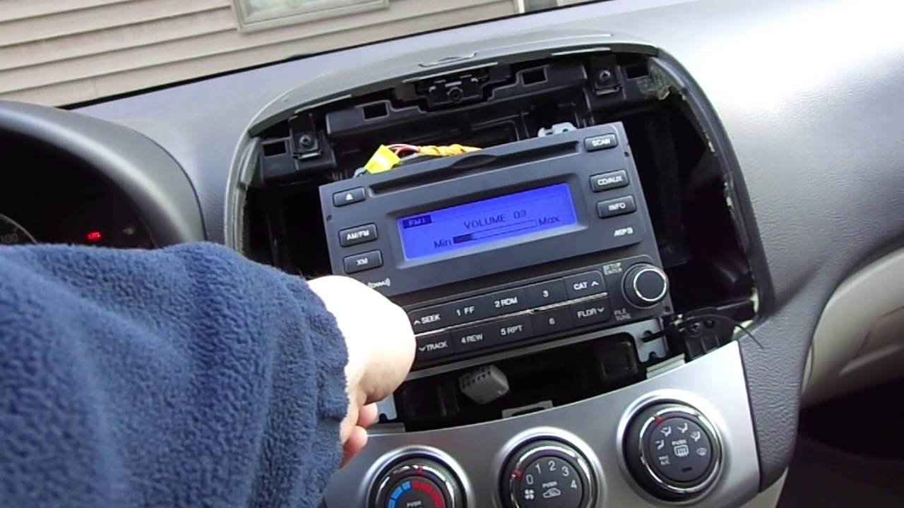 Replacement of 2010 Hyundai Elantra Stereo  YouTube