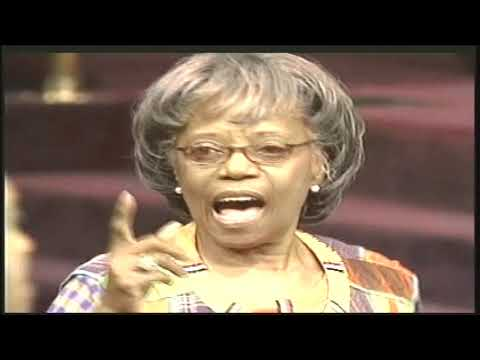 What Do You Want The Lord To Say (When I Get Inside The Gate) - Bishop G.E. Patterson & Congregation