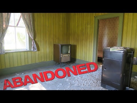 Abandoned Time Capsule Farm with Hunting RV everything left behind antiques