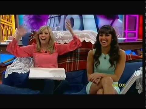 Cristina Pedroche luciendo piernas 18/04/2012 thumbnail