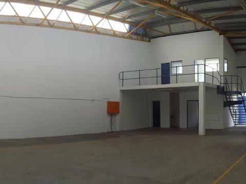 335 Square Metre Industrial For Rent in Red Hill, Durban North 4051, South Africa for ZAR 23,370...