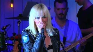 Äntligen sommartid: Låt Maja Ivarsson sjunga in den åt dig