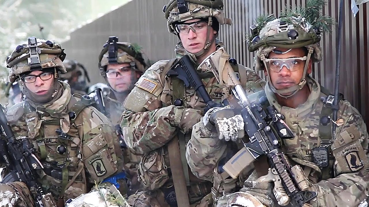U S  Army Paratroopers & British Troops Conduct Offensive Operations