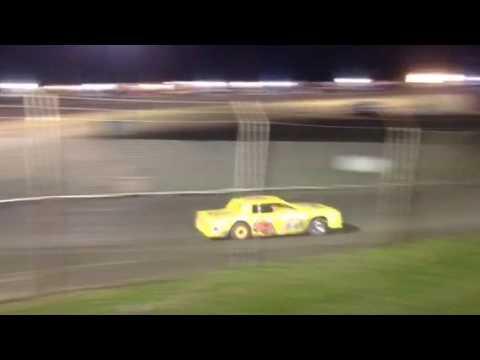 Factory Stock Heat Race 3 Superbowl Speedway 4-1-17