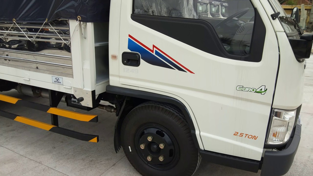 xe tải IZ49 2t4 Đô Thành Giá xe 390 triệu/ zalo.gọi 0966.6944.14 - YouTube