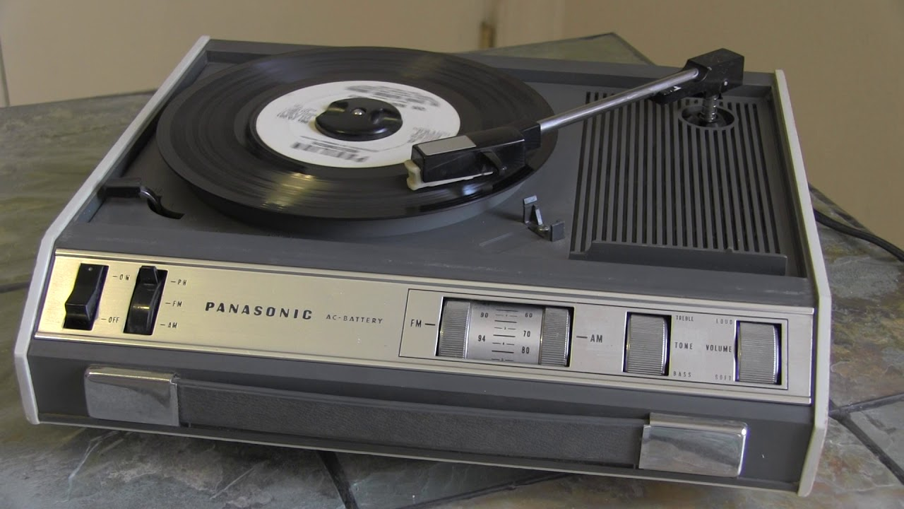 vintage 1960s Panasonic SG-719 solid state radio phono record player