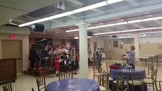 Εξάσκηση της παιδικής χορωδίας, το τμήμα της Δευτέρας, της Ελληνικής Κοινότητας του Αγίου Δημητρίου