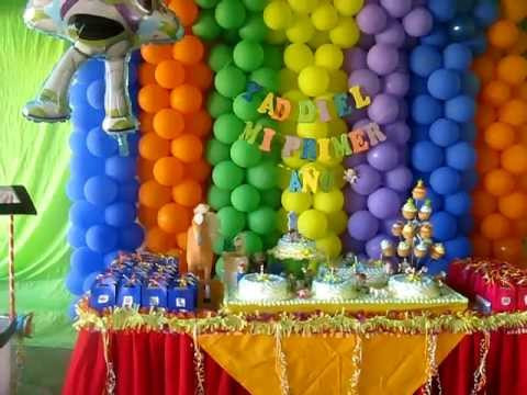 Decoracion globos toy youtube for Arreglos de salon con globos