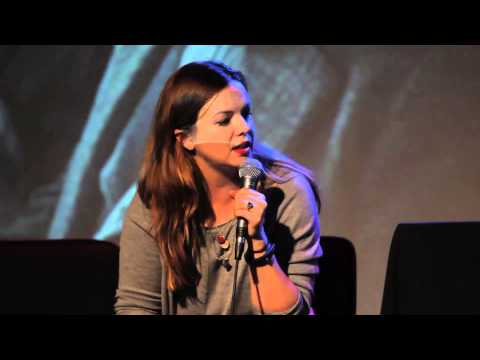 Amber Tamblyn talks Russ Tamblyn  — Running Late with Scott Rogowsky
