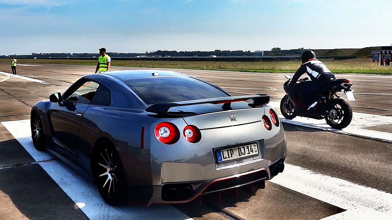 Nissan Gtr 800 Hp Vs Ducati 848 Evo Drag Race Youtube
