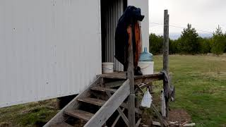 Открыли рыбалку Лебиди на перекуре Отараканили дом на колесах