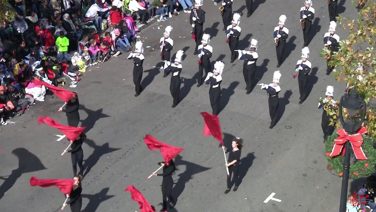 heritage hs marching band in raleigh christmas parade 2017