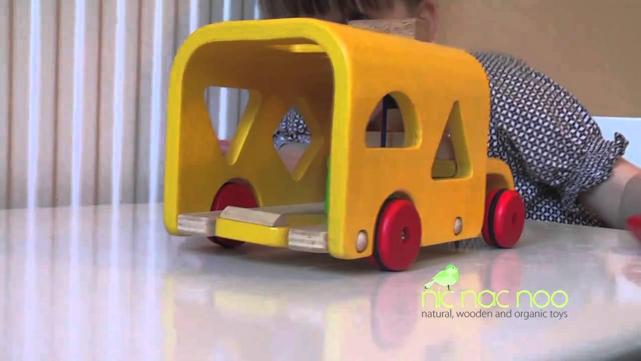 Plan Toys Sorting Bus 107